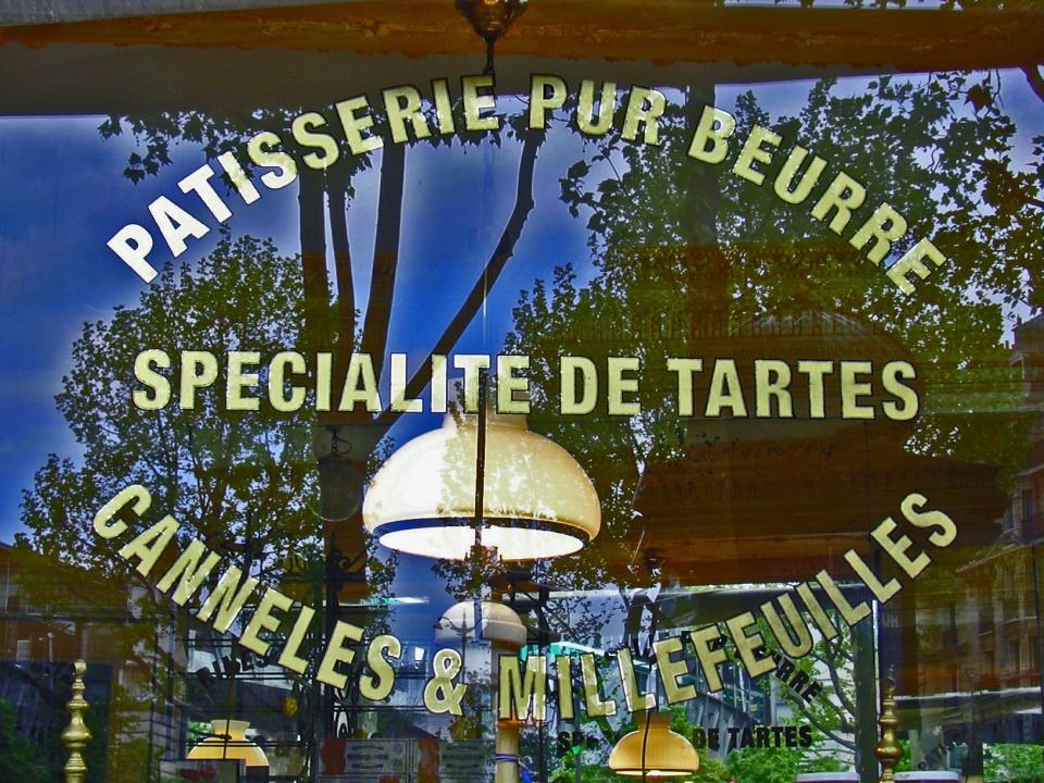 Textes en Or sur vitrine Pâtisserie Pur beurre