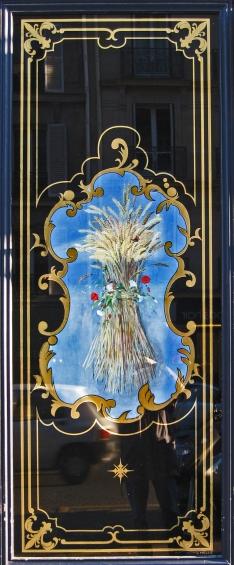"""Boulangerie 81 rue de Rennes Paris : Panneau décoratif avec toile peinte """"gerbe de blé"""""""